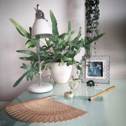 lizzie-table-corner